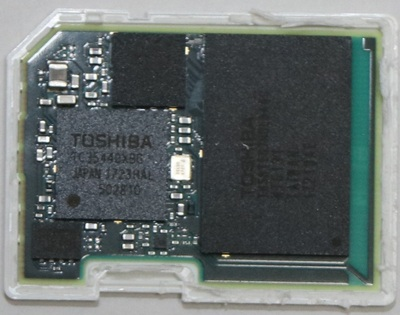 FlashAir_w04_teardown_cover2.jpg
